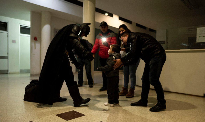 Batman Solidario_Lucho Cagliardi_Revista Fotografía Contrastes